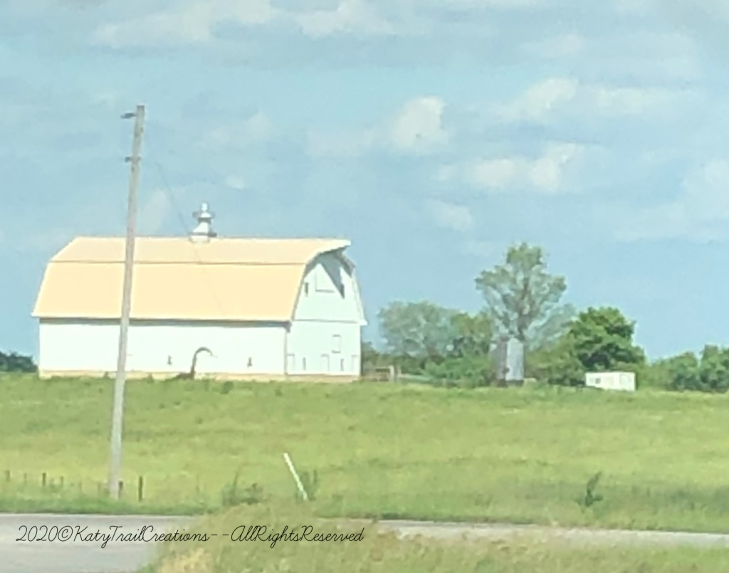 Sun was nearly whiting out this barn that's familiar to many locals here. Located on 50 Highway near Smithton, Missouri.